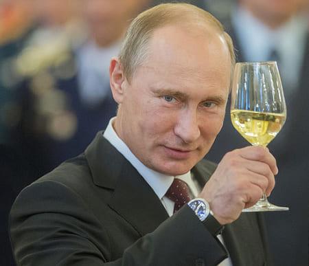 Путин поздравляет